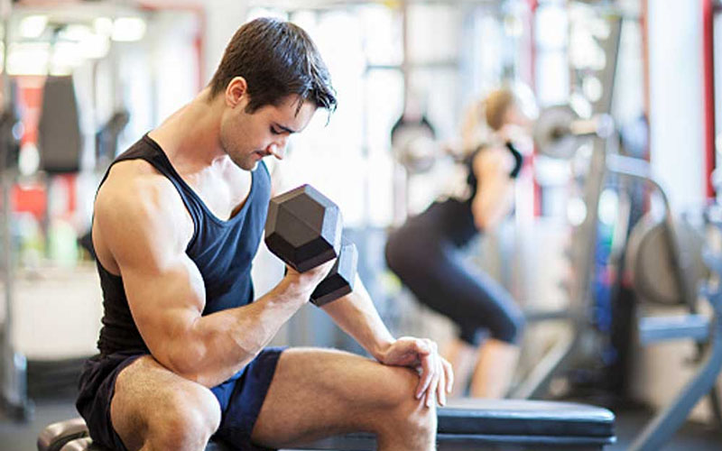 Uống pre workout trước khi tập từ 30-45p