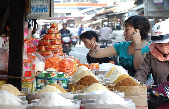 Gần chợ hoặc siêu thị